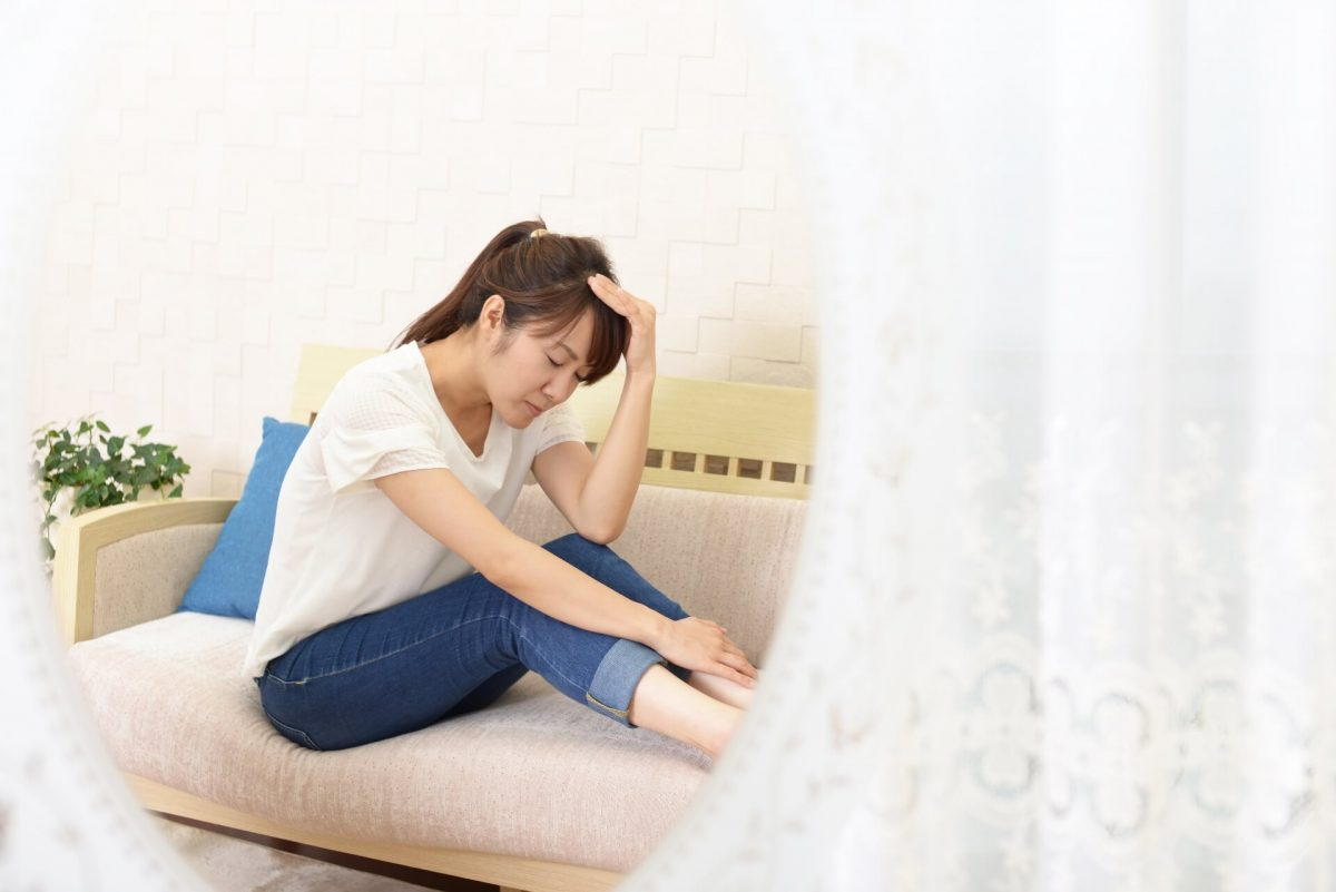 テレワークの主なストレス、メンタルヘルス不調のサイン、テレワーク中にできるメンタルヘルス対策などについて解説
